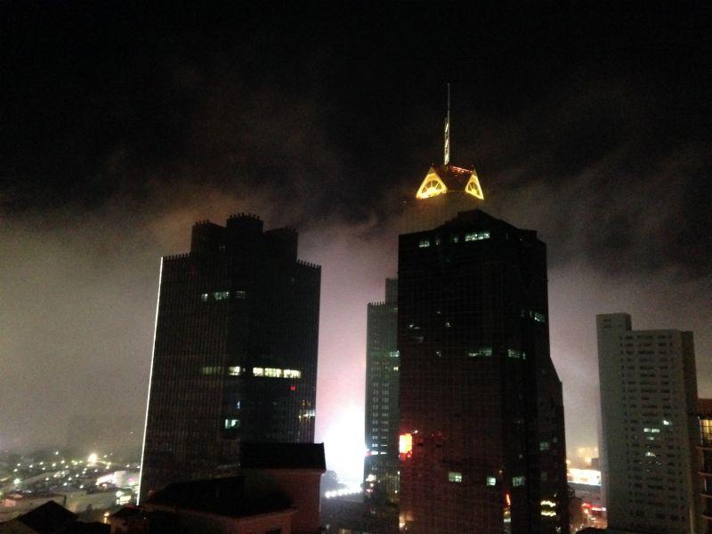 (原创)华灯初上雾又起 - 阿汪 - 阿汪的博客
